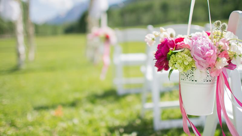 L'allestimento floreale perfetto. Come destreggiarsi nel meraviglioso mondo dei fiori per il matrimonio