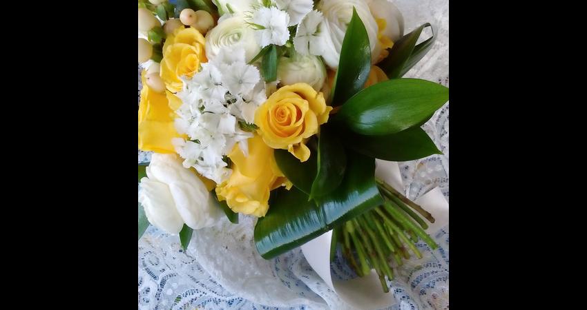 bouquet giallo.jpg